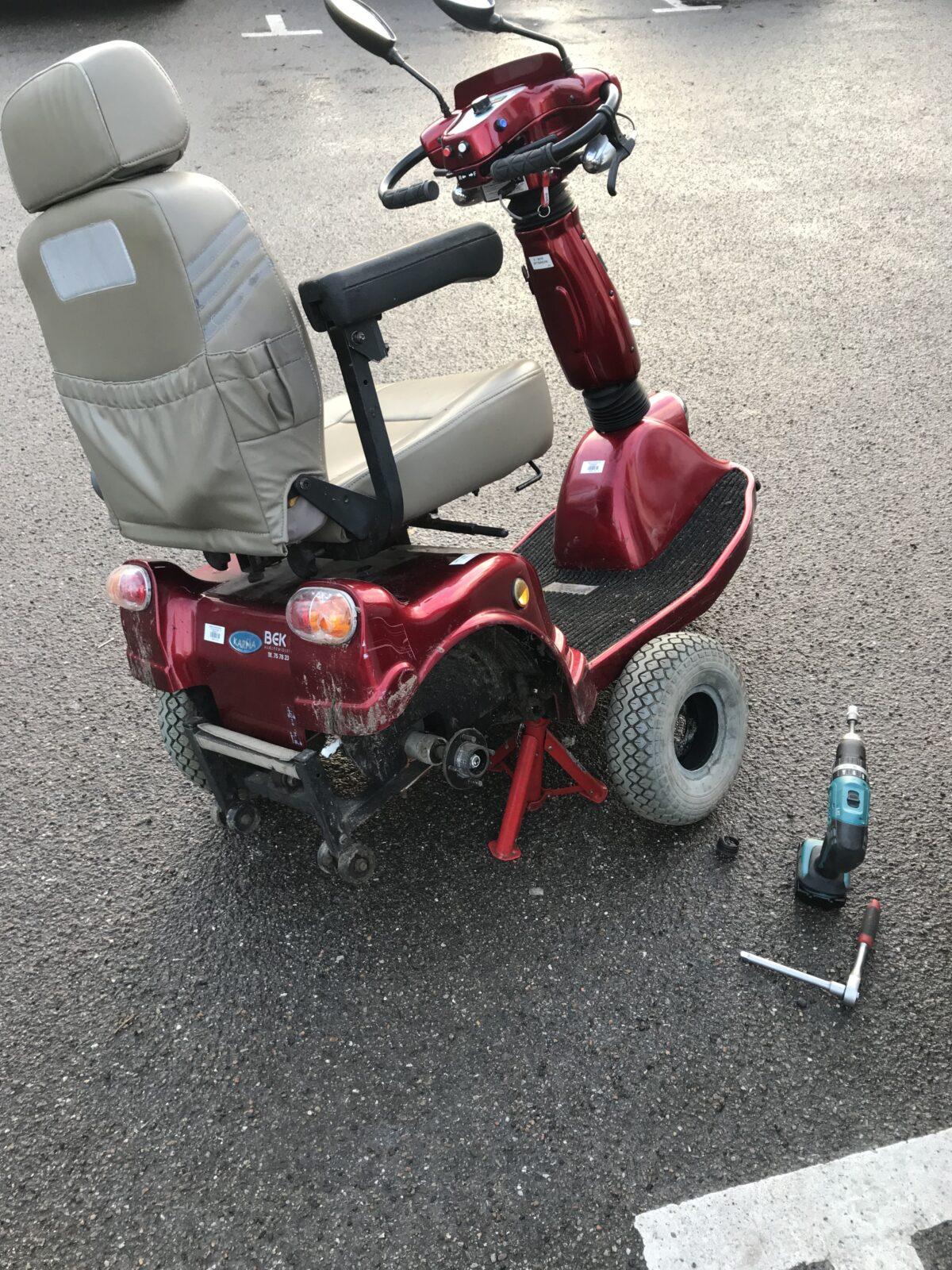EL-scooter punkteret og trænger til ny slange