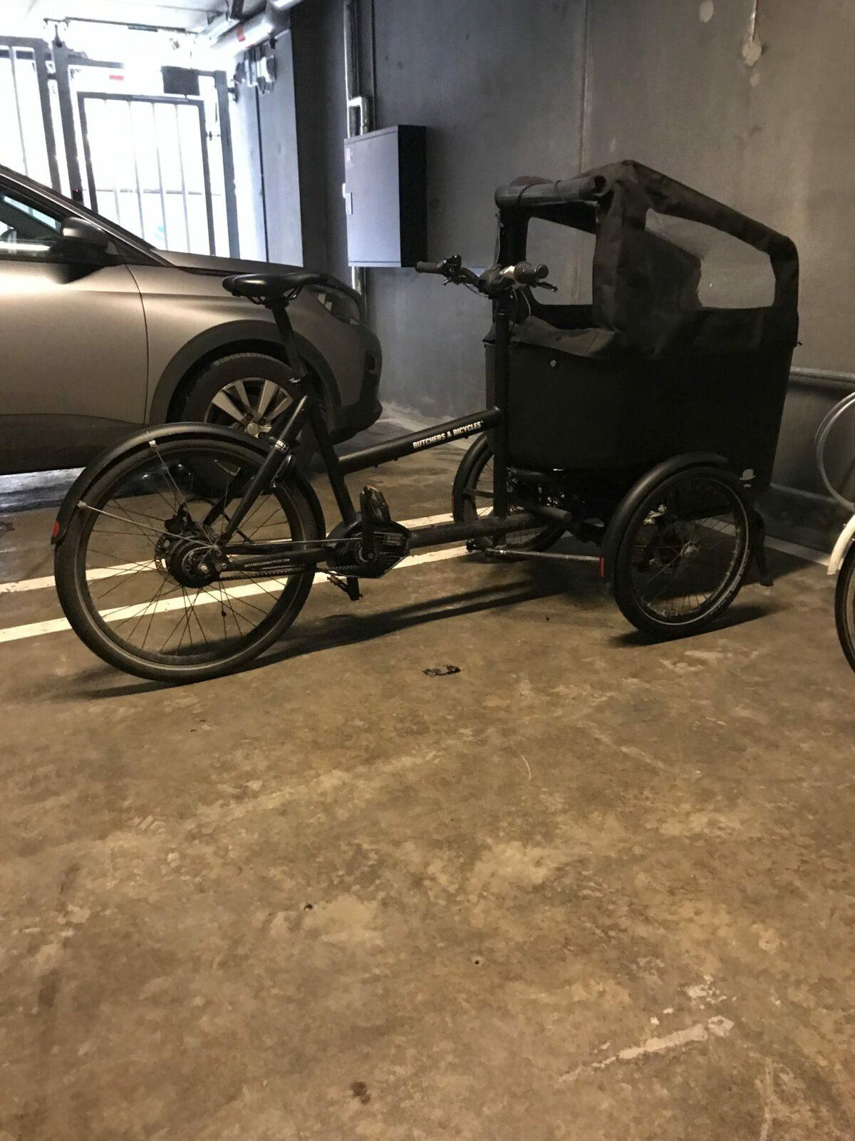 Butshers & Bicycles dækskifte på forhjul som var flad